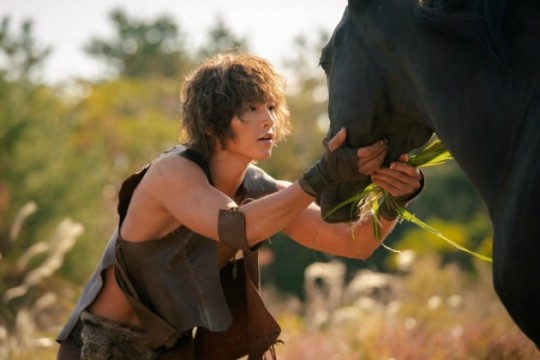 Arthdal Chronicles released the first picture character of Song Joong Ki