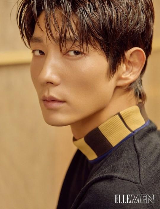 """Lee Joon-gi adorna la portada de una revista de moda masculina de Hong Kong ... con una expresión de ojos """"chic"""" 0000664302_001_20180731085139800"""