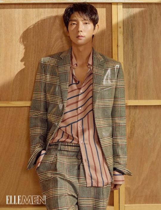 """Lee Joon-gi adorna la portada de una revista de moda masculina de Hong Kong ... con una expresión de ojos """"chic"""" 0000664302_003_20180731085139902"""