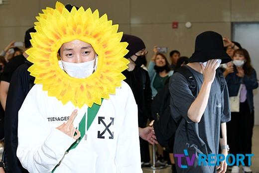 [T포토] 방탄소년단 '억울한 제이홉, 외면하는 정국'